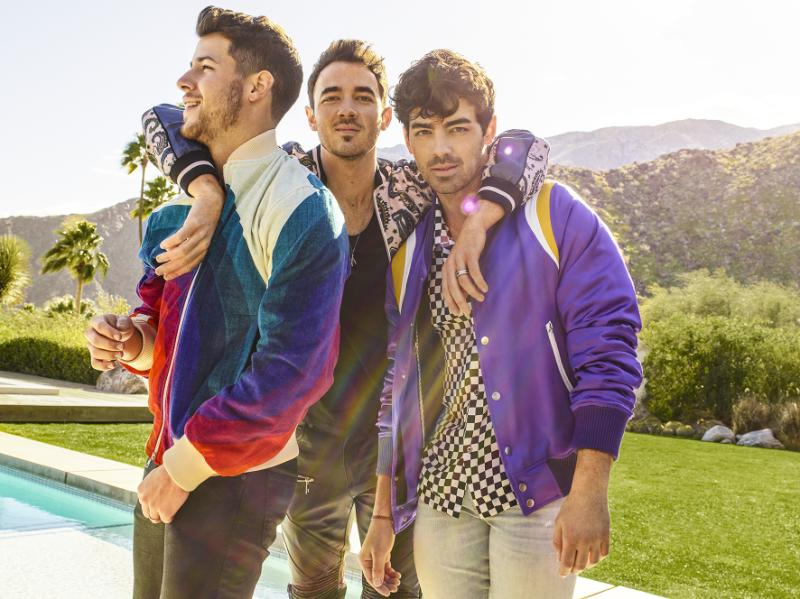 Spectacle HAPPINESS BEGINS TOUR de JONAS BROTHERS