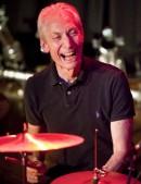 Les Rolling Stones perdent leur batteur Charlie Watts, dandy rock fan de jazz
