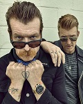 EAGLES OF DEATH METAL de retour à Paris l'Olympia : le reportage de itélé