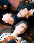 concert Trio Artefact