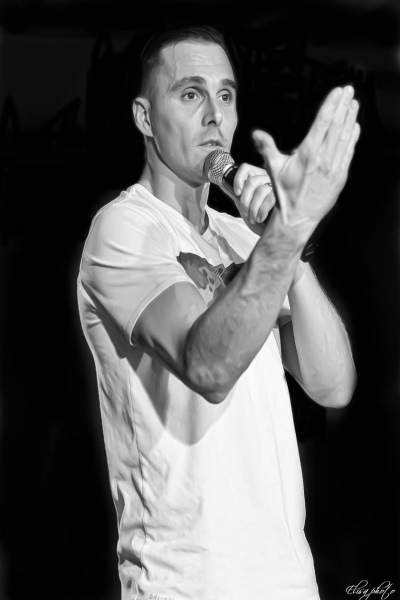 concert Greg Empeche Moi